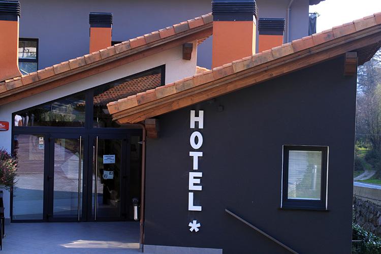 proyecto-hotel-txanka
